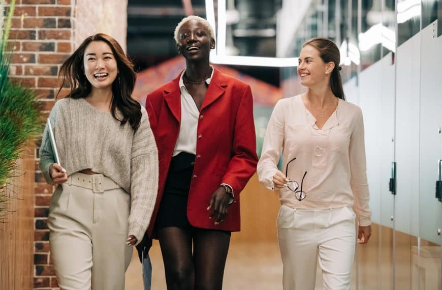 Return to Work Dress Code Policy: 4 Best Practices